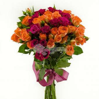 Букет из 13 кустовых роз